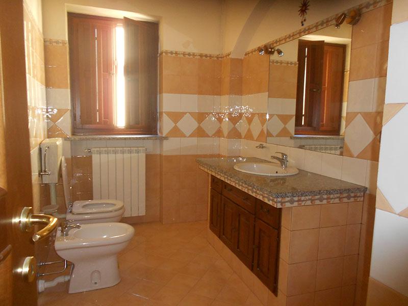 Rifacimento bagni e opere idrauliche in genere – Ristrutturazioni La Stella